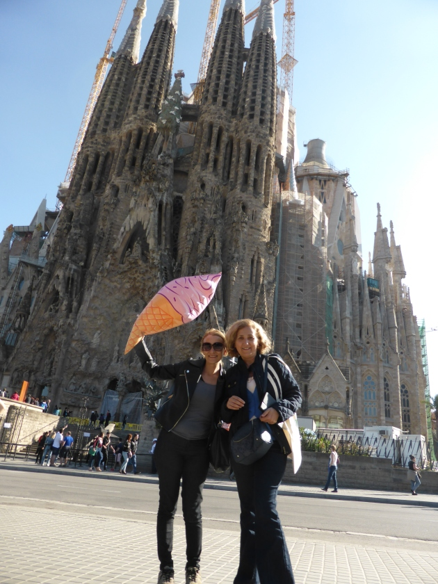 Gaudi master piece and a pink ice cream