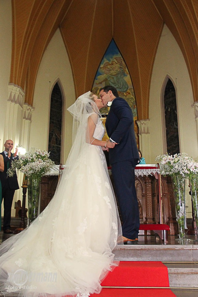The Groom can kiss the Bride