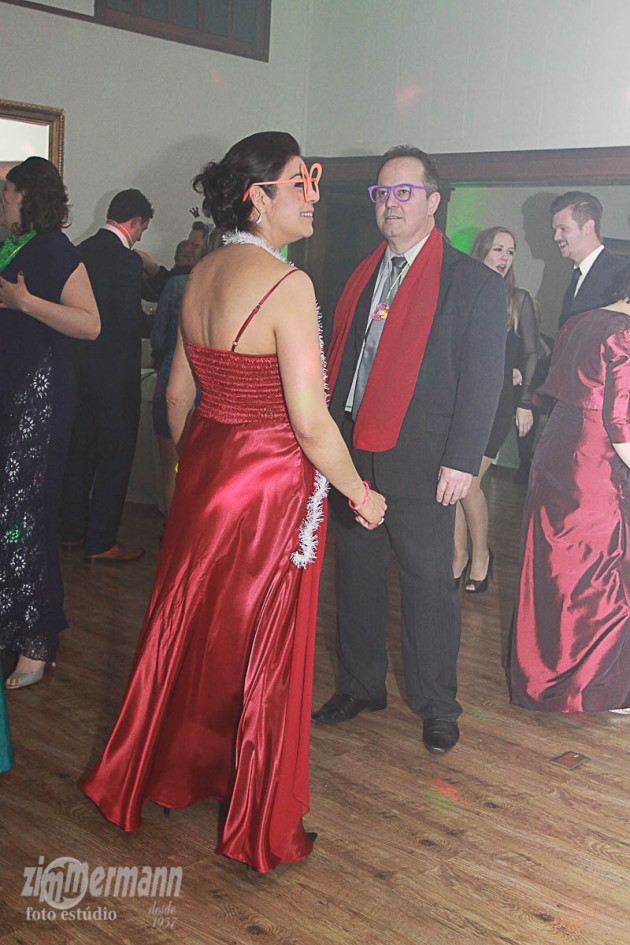Bride's mother dancing with her partner