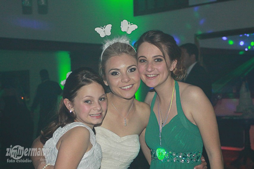 Caroline with her half sister Kalinka and her cousin Chloe