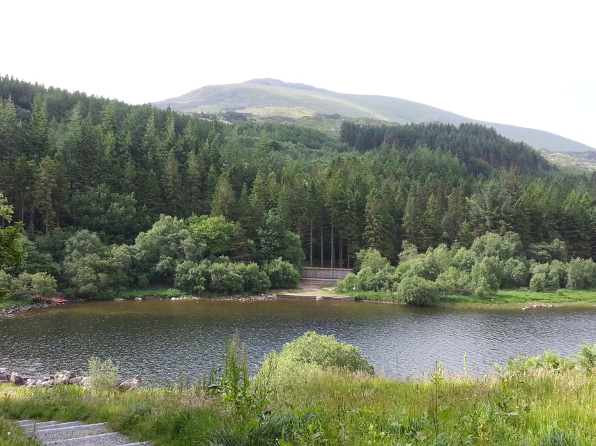 Moel Siabod behind the lake