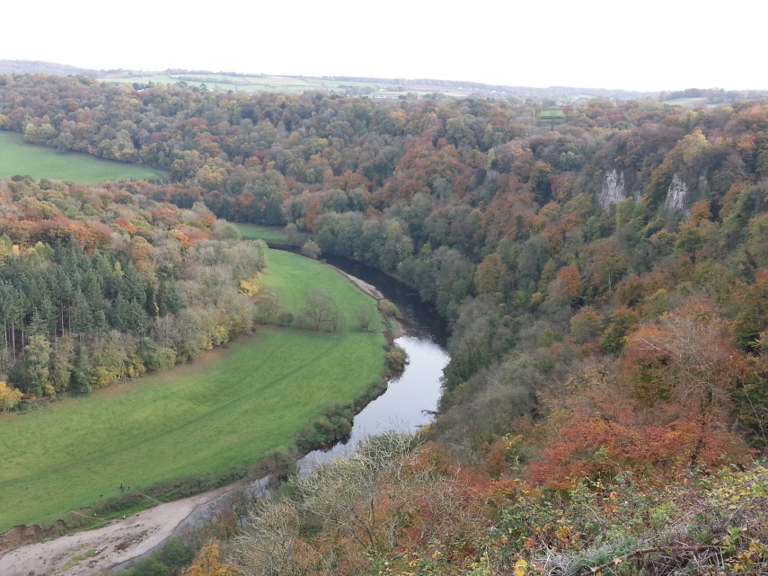 Views of the river and Autumn colours from the Rock
